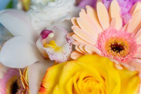 Aranjament floral Happy Smile