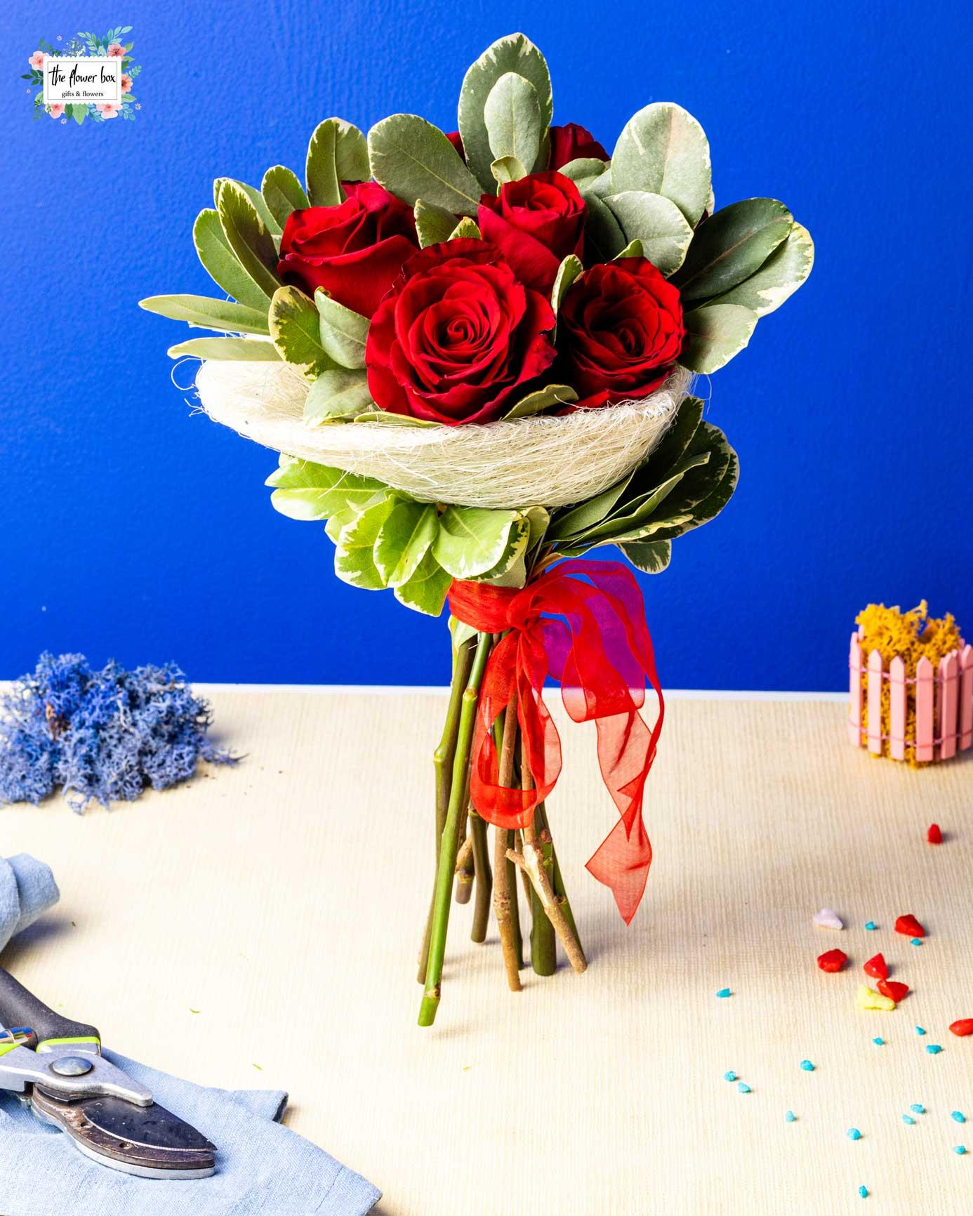 Buchet 7 Trandafiri rosii Love