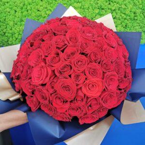 Buchet cu 101 Trandafiri Super Premium
